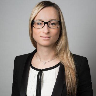 Wenke Hübner – Kauffrau für Versicherungen und Finanzen und Versicherungsfachwirtin (IHK)