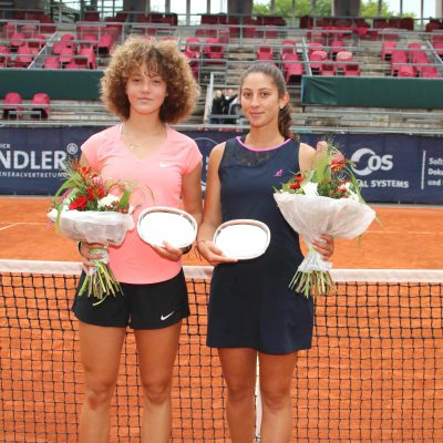 Allianz Kundler German Juniors 2018 Tennis Damen Siegerehrung Blumen - Allianz Versicherung Berlin © Patrick Becher
