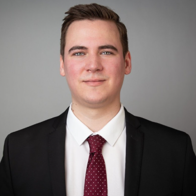 Phillip Schmidt – Kaufmann für Versicherungen und Finanzen (IHK)